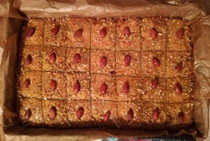 Basbousa – przepis na ciasto z kaszy manny