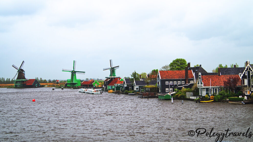 Zaanse Schans – open-air windmill museum